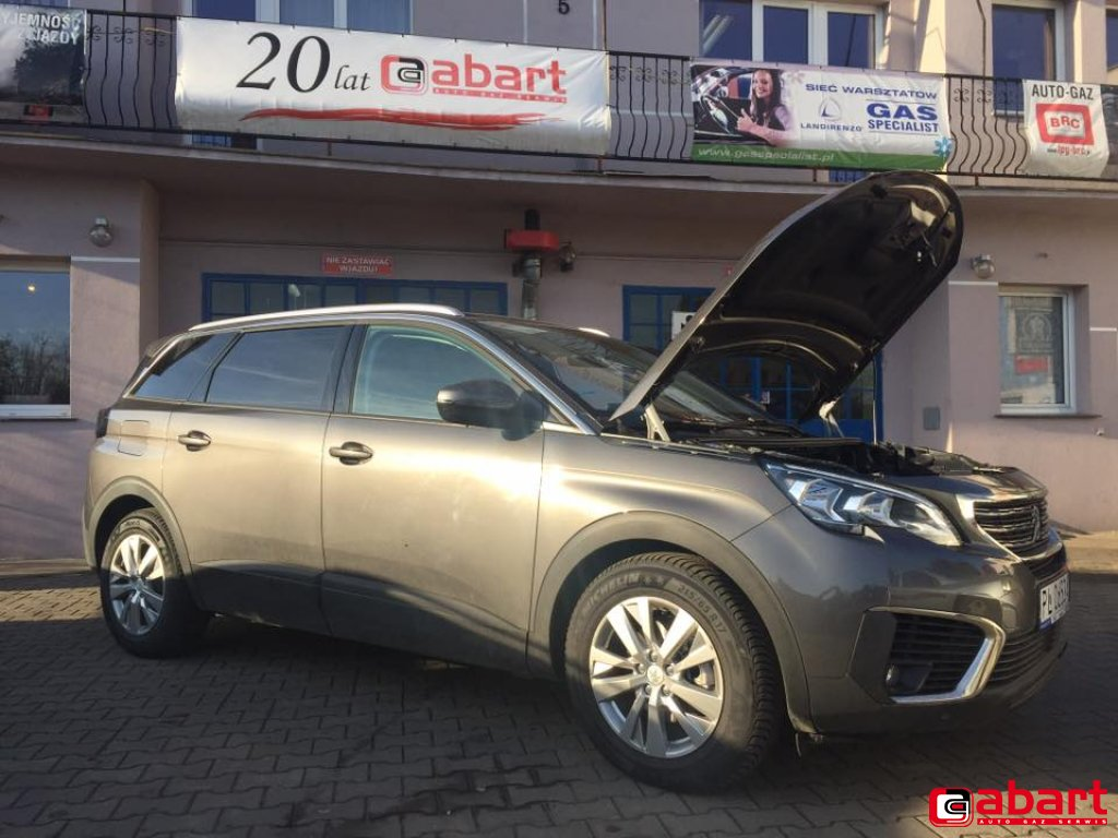 PEUGEOT 5008 1.2 Turbo Pure Tech