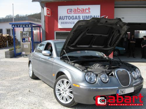 JAGUAR S-Type-4,2-V8