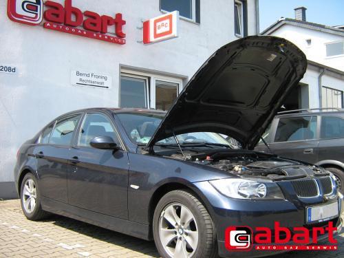 BMW 320i-E90