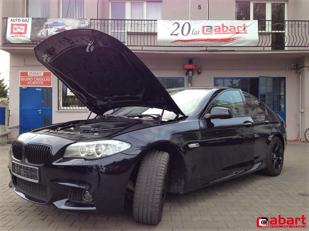 BMW 528i_F10