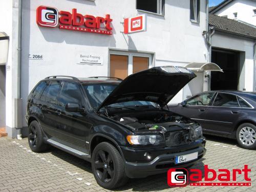 BMW X5-4,4i