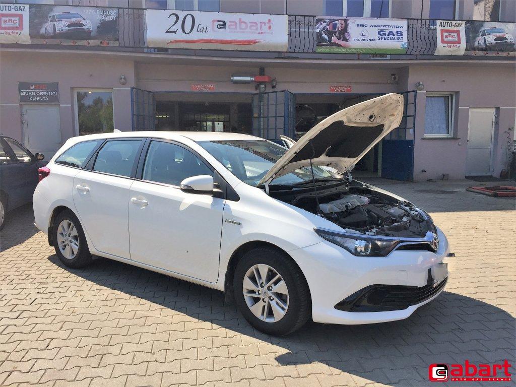 TOYOTA Auris Touring Hybrid 1,8
