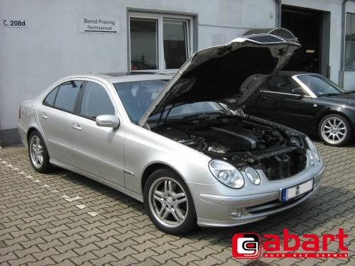 Mercedes-Benz E320-W211