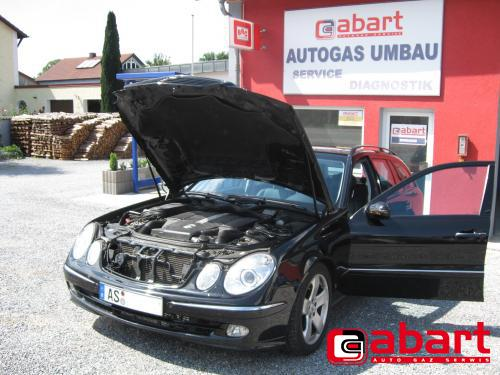 Mercedes-Benz E500T-W211K