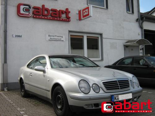 Mercedes-Benz CLK-200-kompressor-W208