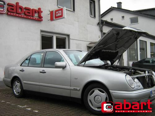 Mercedes-Benz E200-W210