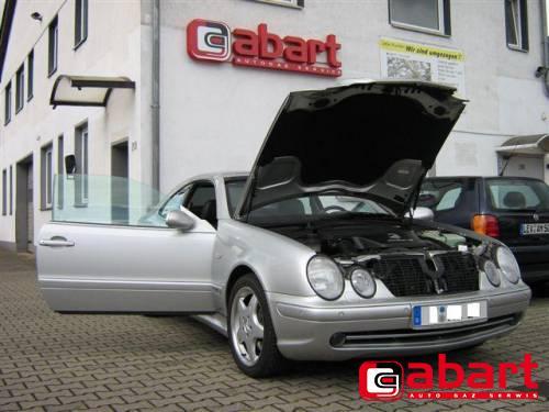 Mercedes-Benz CLK-430-W208