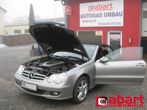 Mercedes-Benz CLK-280-Cabrio-W209