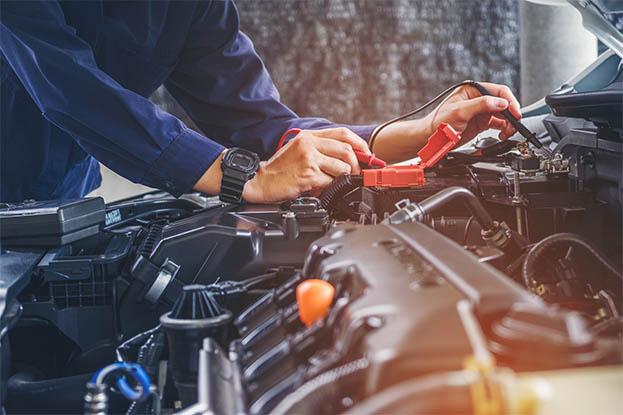 Konserwacja i naprawa pozostałych systemów samochodu.
